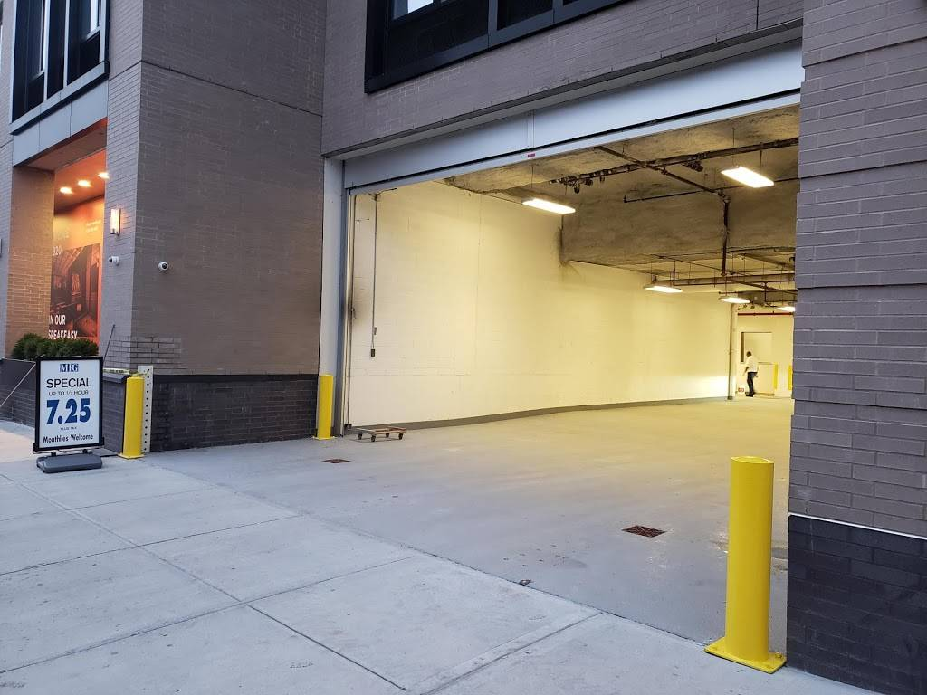 MPG Parking - parking    Photo 4 of 8   Address: 21 India St, Brooklyn, NY 11222, USA   Phone: (347) 916-1270