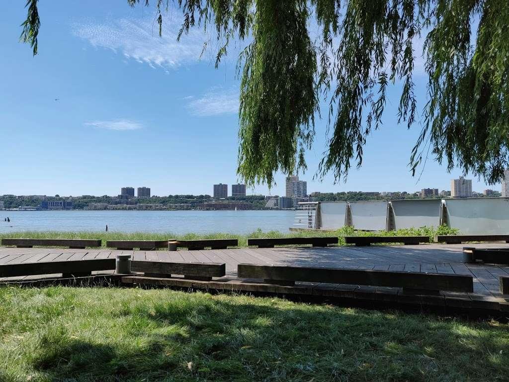 Riverside Park South - park  | Photo 9 of 10 | Address: Riverside Blvd, New York, NY 10069, USA | Phone: (212) 639-9675