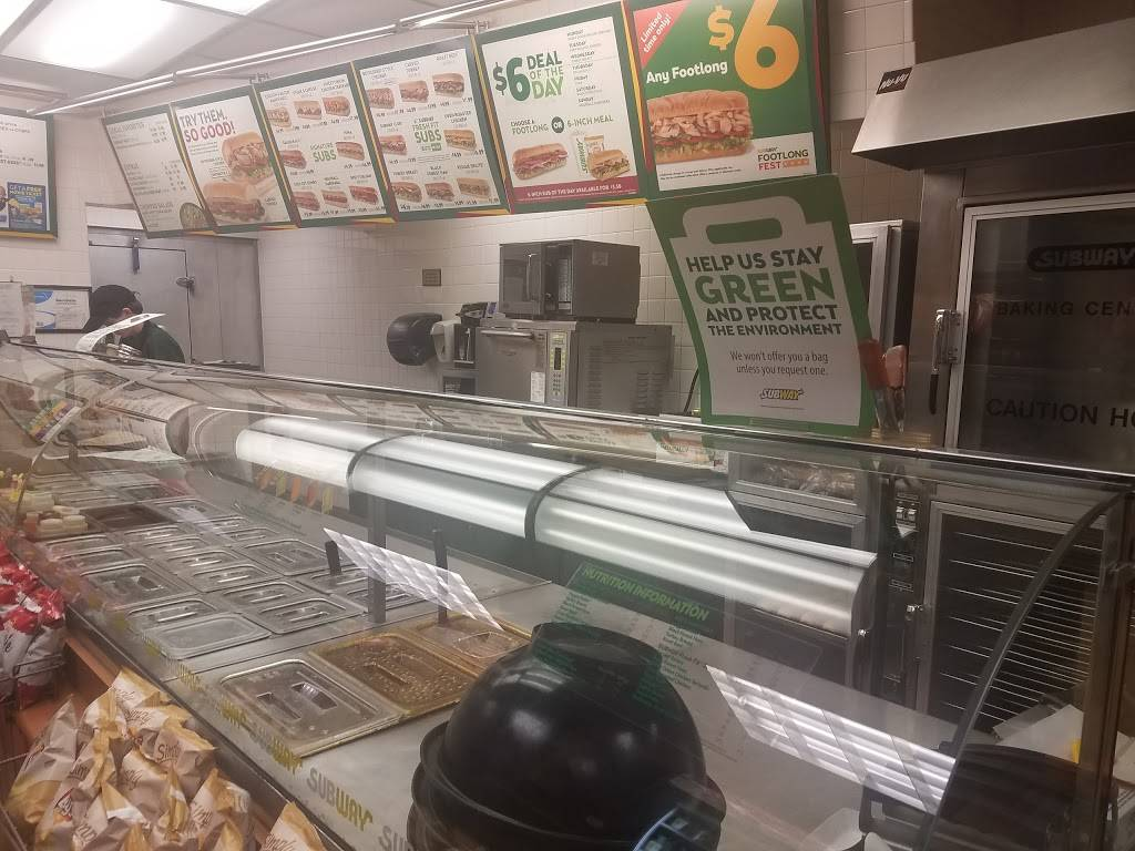 Subway - meal takeaway  | Photo 4 of 10 | Address: 2064 Hastings Ave, Newport, MN 55055, USA | Phone: (651) 458-9999
