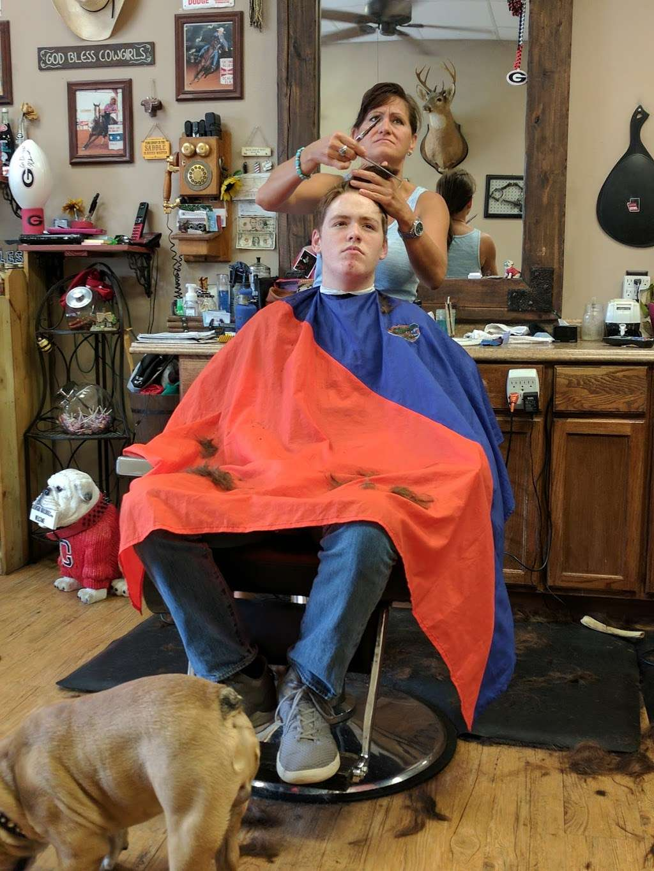Glyna Maes Barber Shop - hair care  | Photo 5 of 10 | Address: 3250 SE 58th Ave, Ocala, FL 34480, USA | Phone: (352) 694-1500