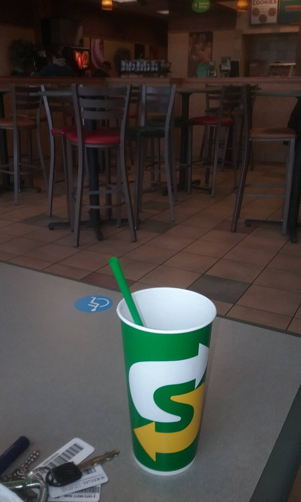 Subway - meal takeaway    Photo 8 of 10   Address: 6952 33rd St N, Oakdale, MN 55128, USA   Phone: (651) 779-8814