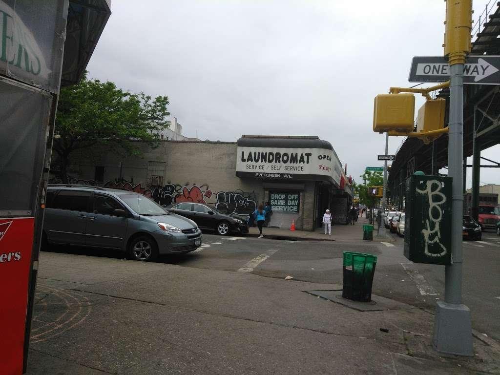 J Colgate - clothing store    Photo 5 of 10   Address: 1173-1199 Colgate Ave, Bronx, NY 10472, USA   Phone: (718) 620-6616