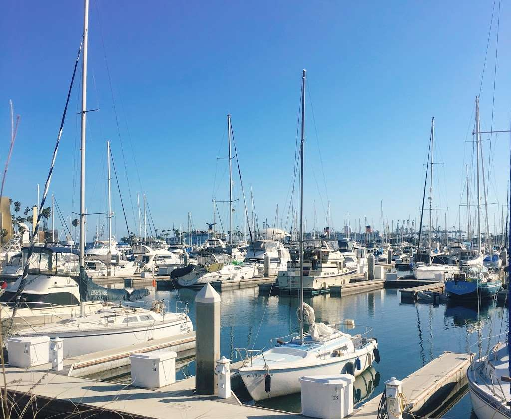 380 E Shoreline Dr Parking - parking  | Photo 1 of 10 | Address: 380E E Shoreline Dr, Long Beach, CA 90802, USA