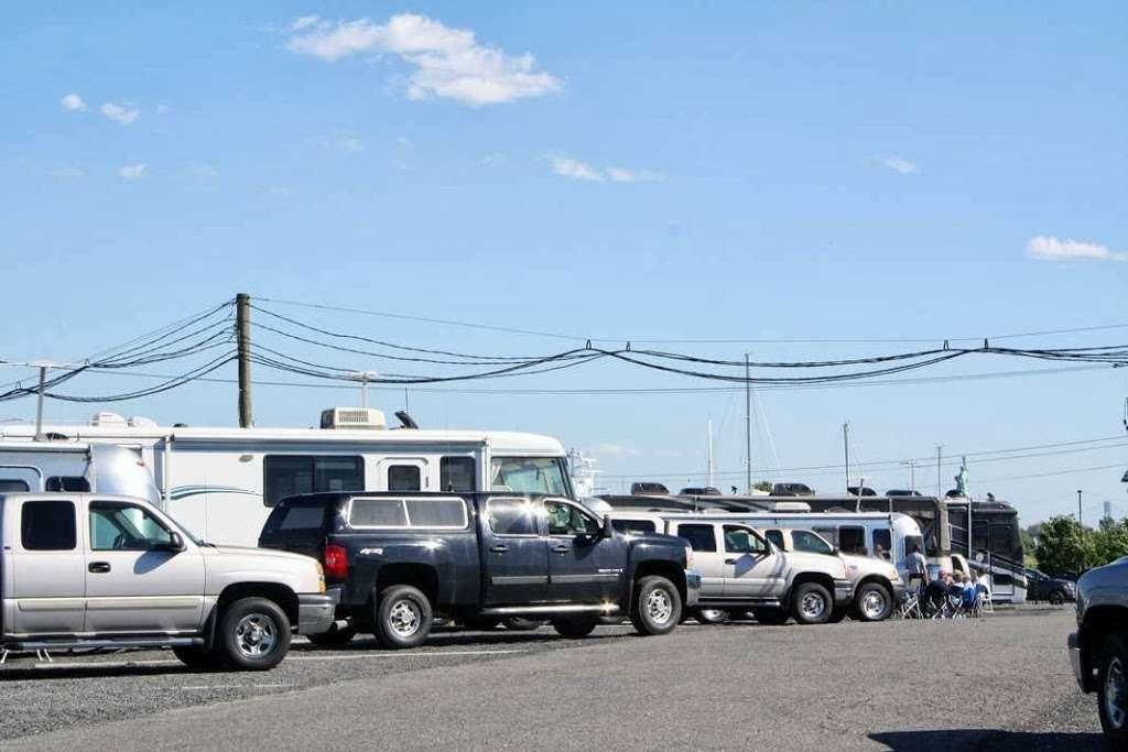 Liberty Harbor RV Park - rv park  | Photo 10 of 10 | Address: 11 Marin Blvd, Jersey City, NJ 07302, USA | Phone: (201) 516-7500