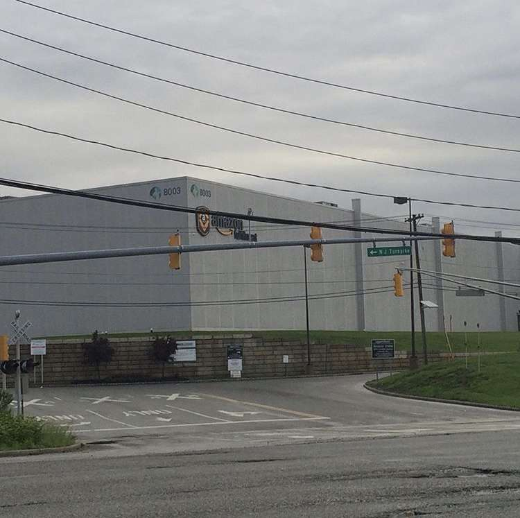 Amazon EWR9 - storage  | Photo 2 of 10 | Address: 8003 Industrial Hwy, Carteret, NJ 07008, USA