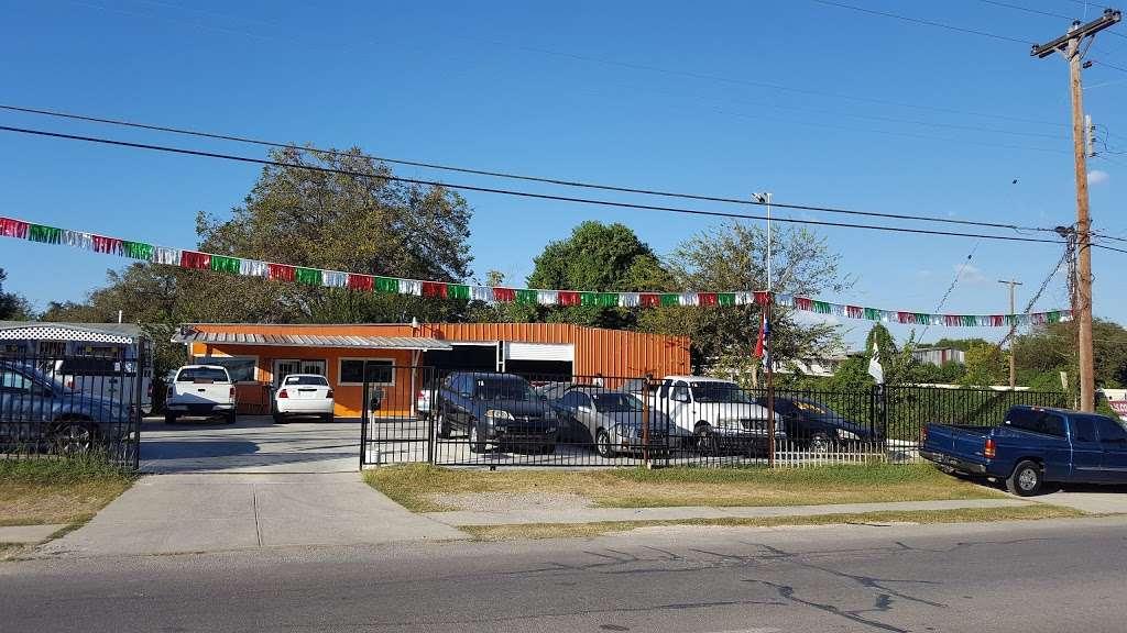 Race Auto Sales - car dealer  | Photo 1 of 10 | Address: 2027 Rigsby Ave, San Antonio, TX 78210, USA | Phone: (713) 319-5692