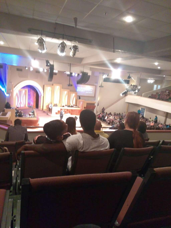 Christian World Ministries - church  | Photo 3 of 9 | Address: 6633 Walzem Rd, San Antonio, TX 78239, USA | Phone: (210) 657-5187