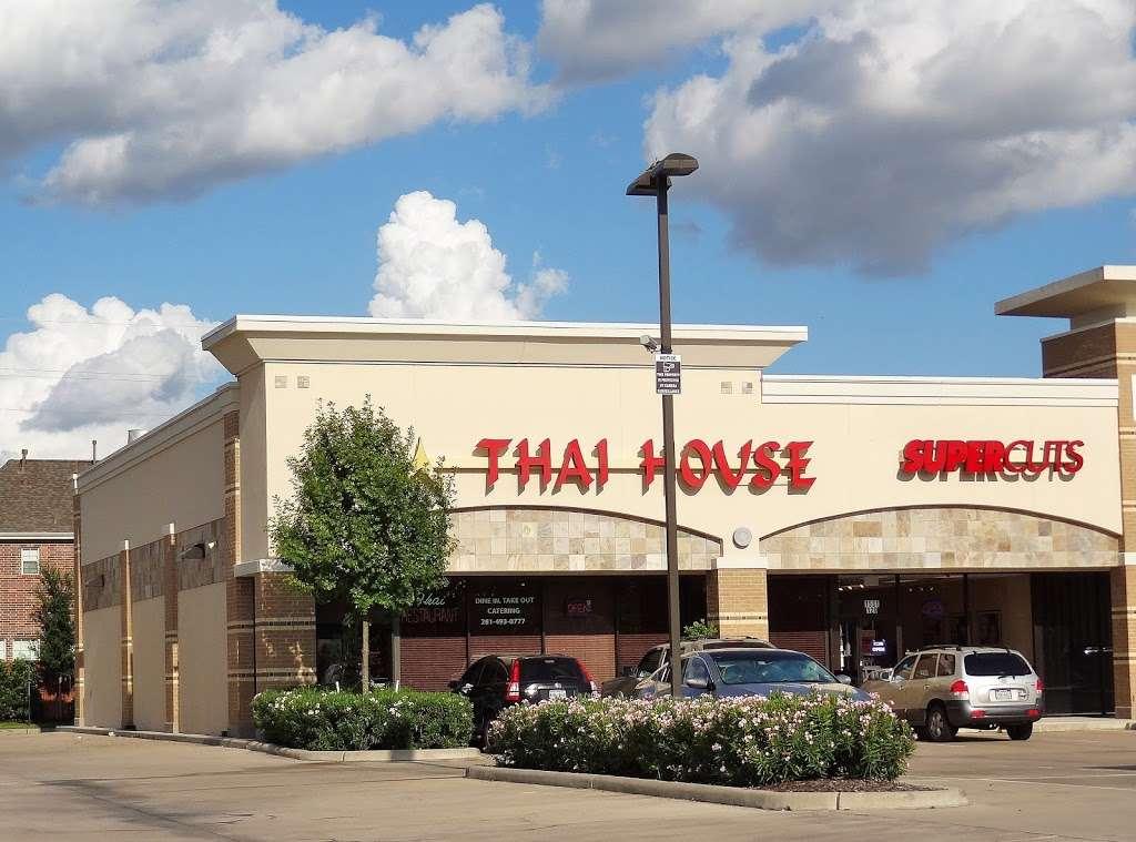 Thai House - restaurant  | Photo 3 of 10 | Address: 1531 Eldridge Pkwy, Houston, TX 77077, USA | Phone: (281) 493-0777