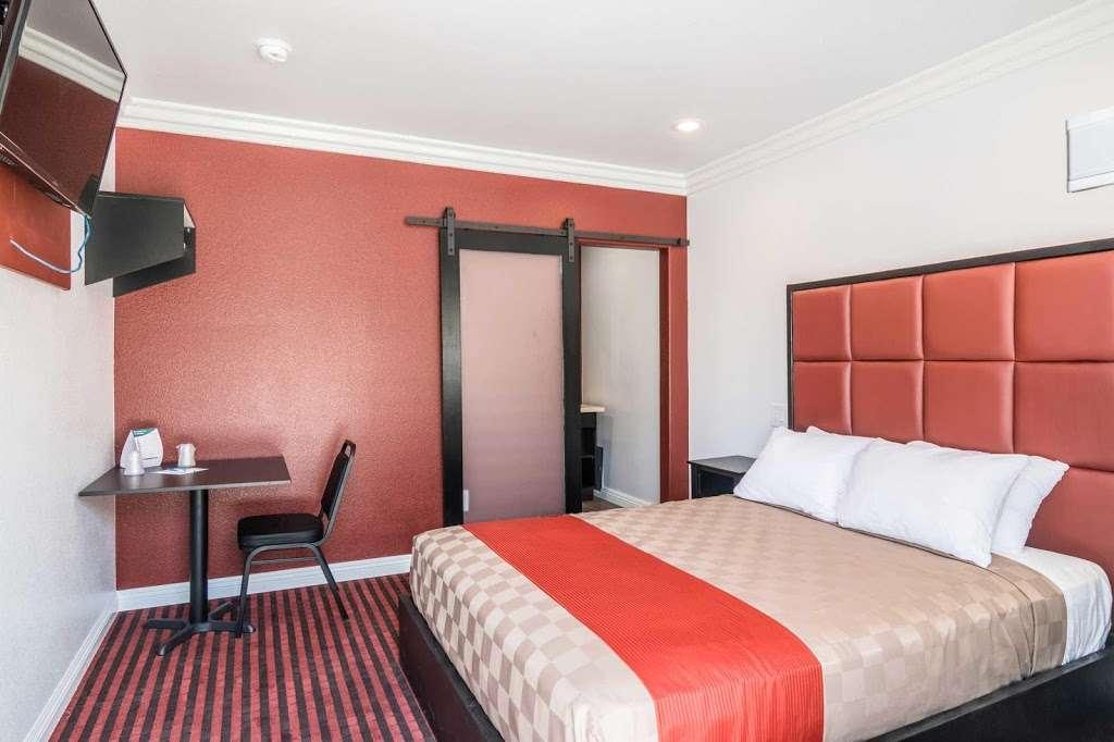 Rodeway Inn & Suites - lodging  | Photo 8 of 9 | Address: 10112 Long Beach Blvd, Lynwood, CA 90262, USA | Phone: (323) 249-0573