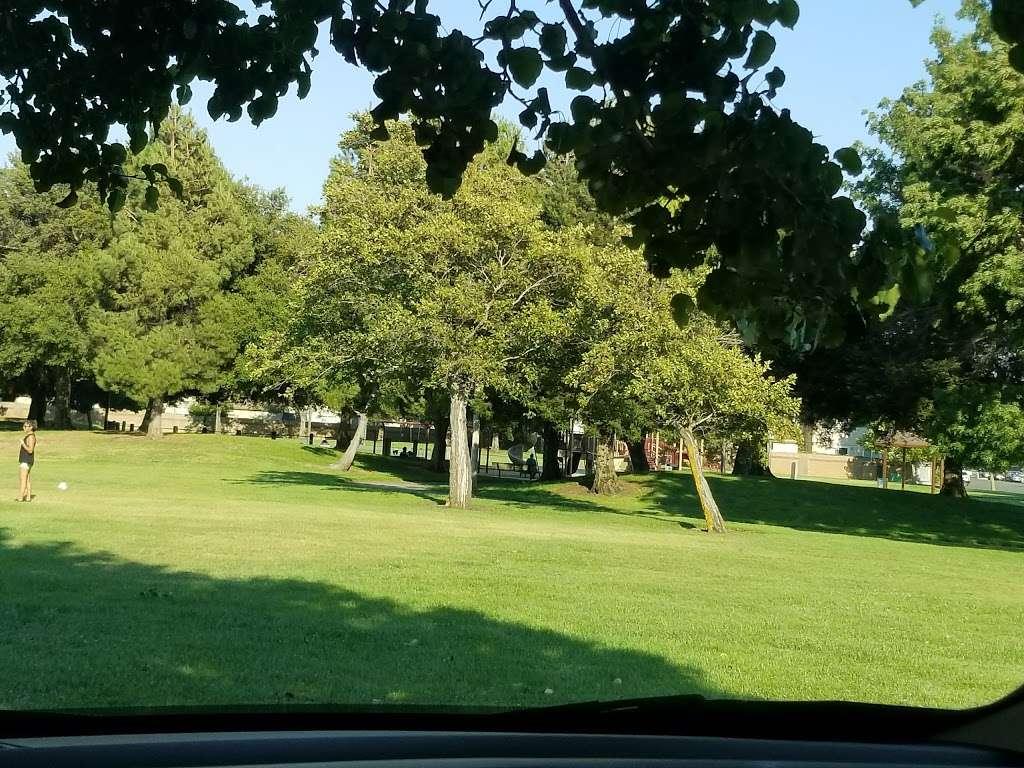 Ridgeview Park - park  | Photo 5 of 10 | Address: 4966 Silver Creek Rd, Fairfield, CA 94534, USA | Phone: (707) 428-7431