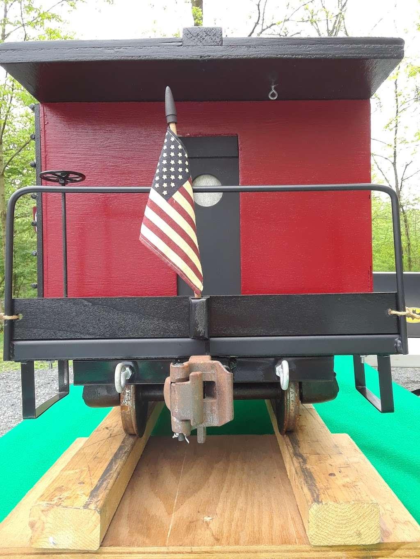 Perkiomen Trail Crusher Road Parking Area - park  | Photo 9 of 10 | Address: Perkiomen Trail, Perkiomenville, PA 18074, USA | Phone: (610) 278-3000
