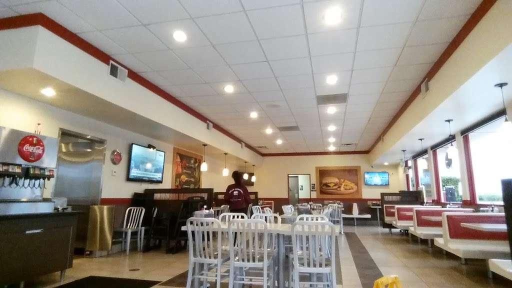 Titan Burgers Chino - restaurant  | Photo 1 of 10 | Address: 5509 Philadelphia St, Chino, CA 91710, USA | Phone: (909) 627-4004