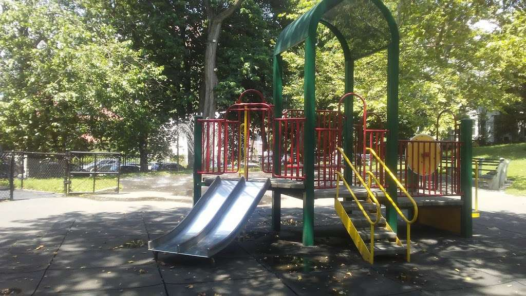 Fort Independence Playground - park  | Photo 5 of 10 | Address: Sedgwick Ave. &, W 238th St, The Bronx, NY 10463, USA | Phone: (212) 639-9675