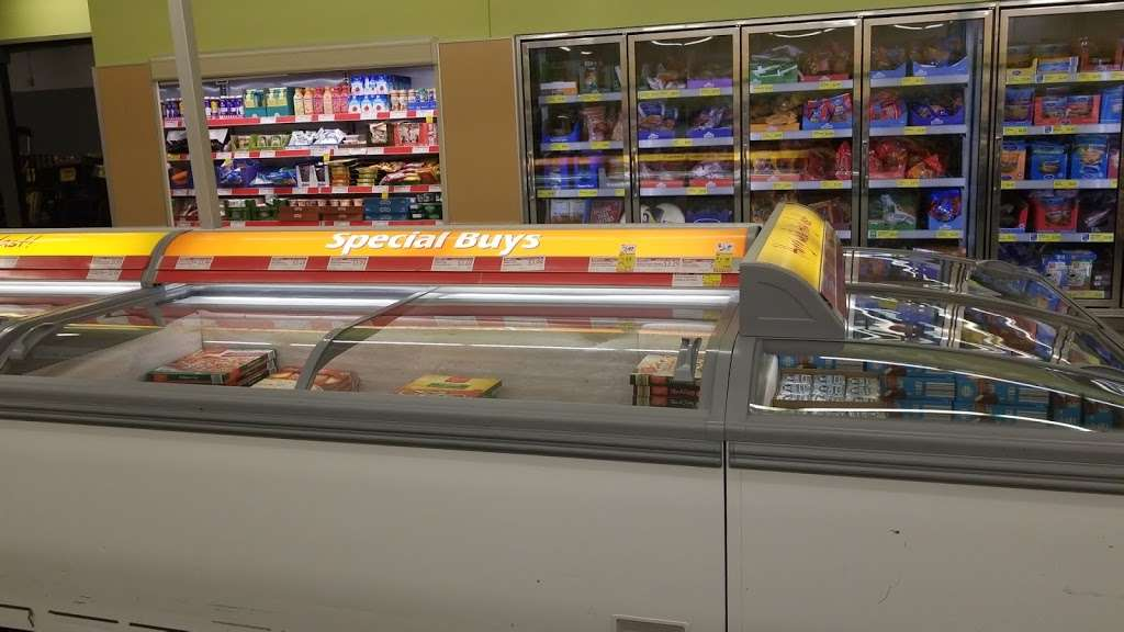 ALDI - supermarket  | Photo 4 of 10 | Address: 2226 N Richmond Rd, McHenry, IL 60051, USA | Phone: (855) 955-2534