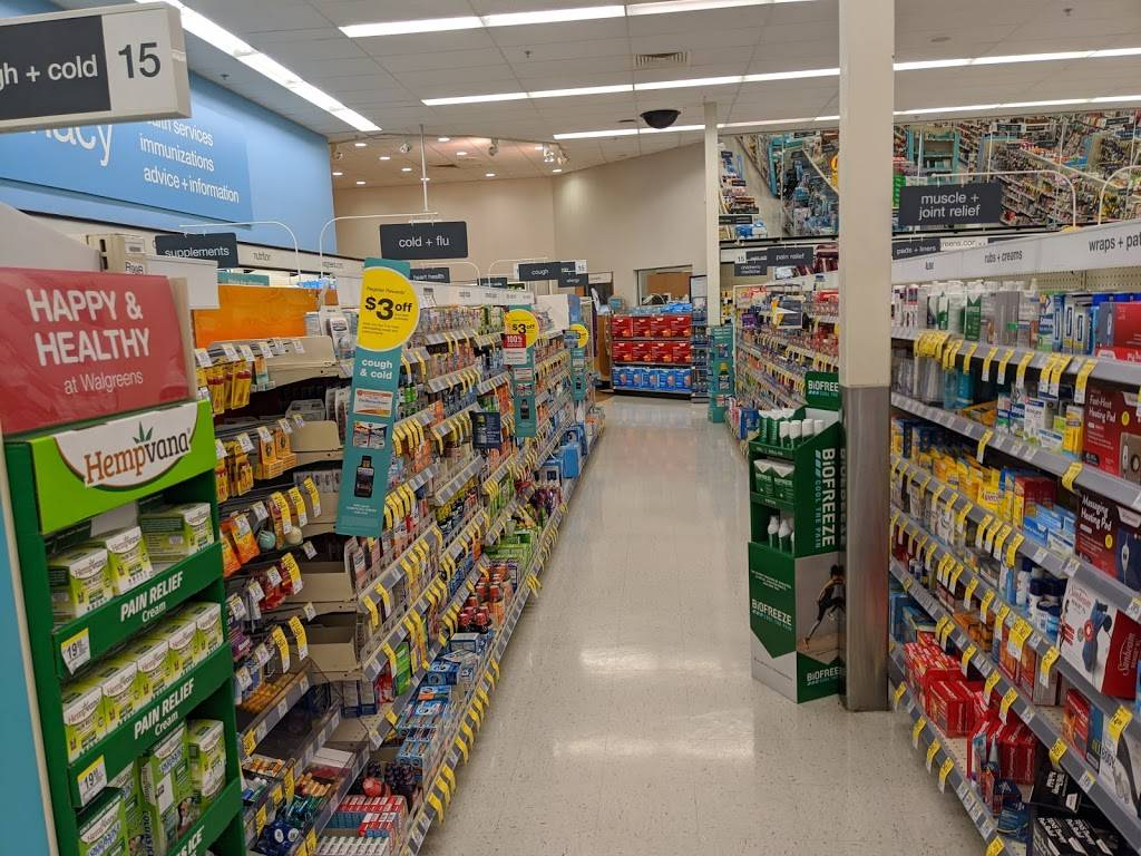 Walgreens - convenience store  | Photo 3 of 10 | Address: 9325 Parkway E, Birmingham, AL 35215, USA | Phone: (205) 833-6882