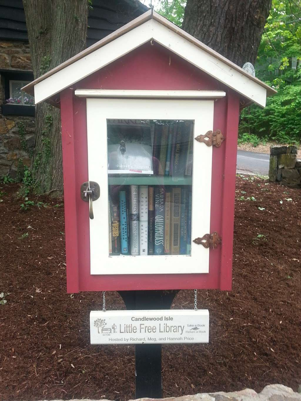 Candlewood Isle Little Free Library - library  | Photo 1 of 2 | Address: 37 Lake Dr S, New Fairfield, CT 06812, USA