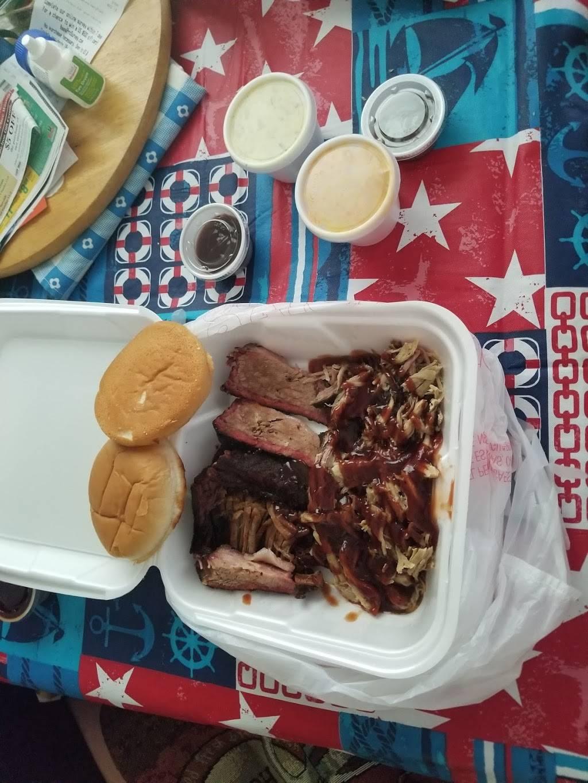 Harleys Hardwoodz BBQ - restaurant  | Photo 10 of 10 | Address: 1611 Charlestown New Albany Rd, Jeffersonville, IN 47130, USA | Phone: (812) 284-4490