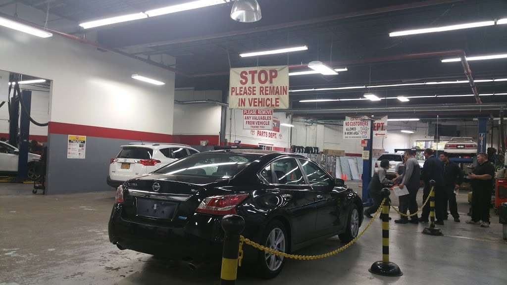 City World Toyota - Service Center - car repair  | Photo 1 of 9 | Address: 3860 Boston Rd, The Bronx, NY 10469, USA | Phone: (718) 655-1800