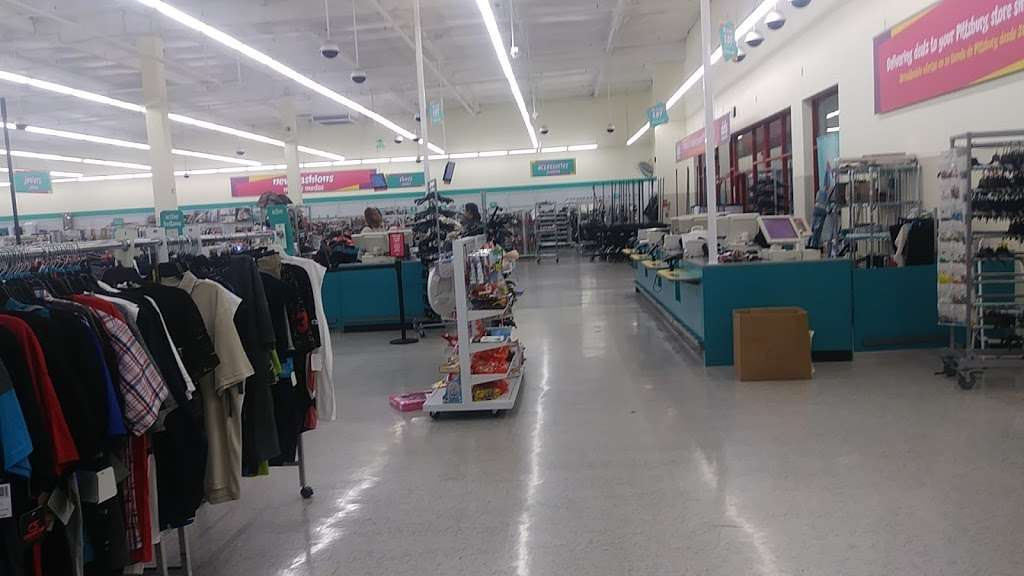 dds DISCOUNTS - clothing store  | Photo 2 of 10 | Address: 2000 N Park Blvd, Pittsburg, CA 94565, USA | Phone: (925) 432-3950