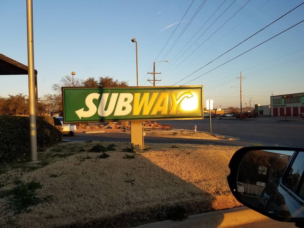 Subway - meal takeaway  | Photo 9 of 10 | Address: 5816 4th St, Lubbock, TX 79416, USA | Phone: (806) 791-0991