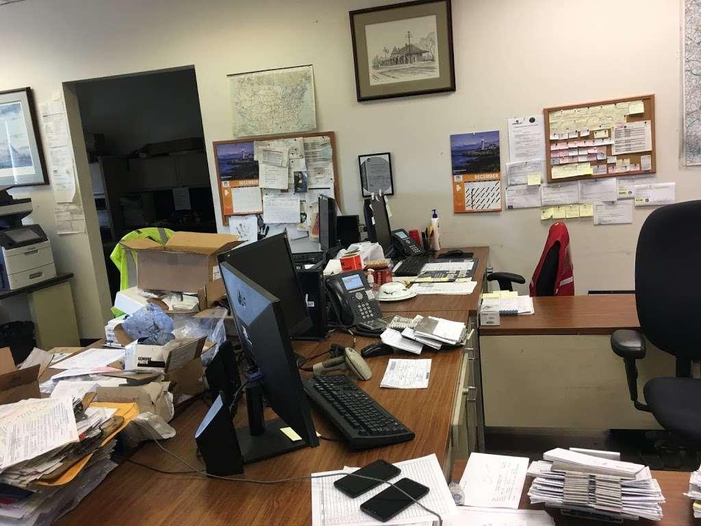 YRC Freight - Moving company   10451 Colonel Court, Manassas, VA