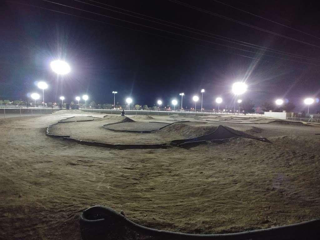 Silver Bowl RC Park Track - park  | Photo 4 of 8 | Address: 6635 Boulder Hwy, Las Vegas, NV 89122, USA