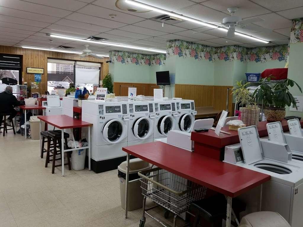 Soap Box laundromat & organic dry cleaning - laundry  | Photo 1 of 6 | Address: 529 10th St, Palisades Park, NJ 07650, USA | Phone: (201) 585-2793