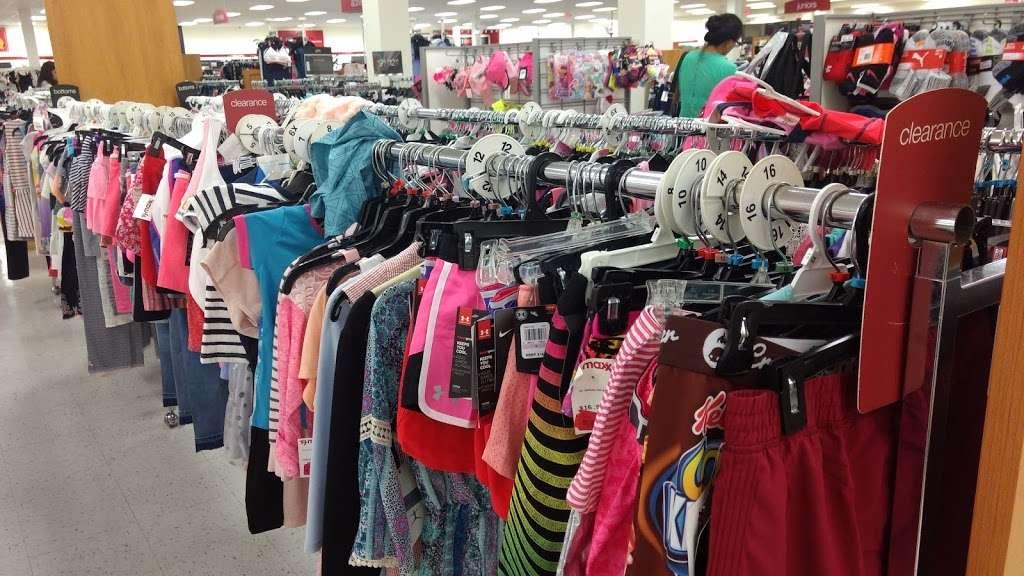 T.J. Maxx - department store  | Photo 2 of 10 | Address: 1401 Hawthorne Blvd, Redondo Beach, CA 90278, USA | Phone: (310) 214-3212