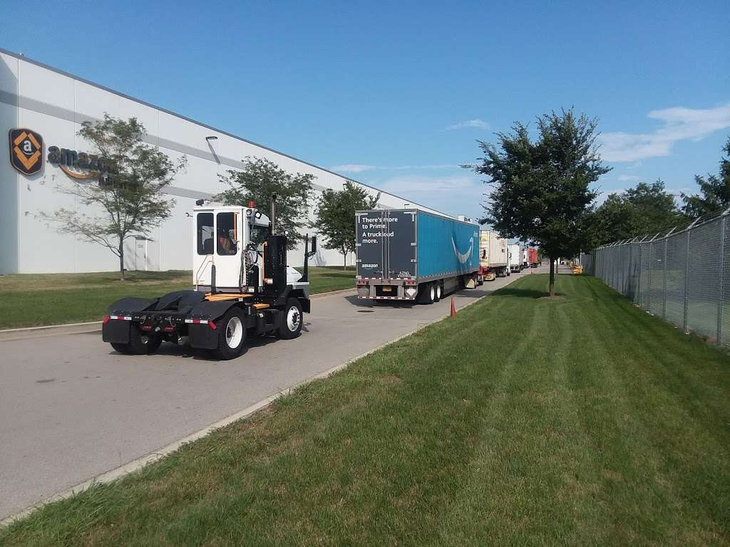 Amazon Cross-Dock Facility - MDW2 - storage    Photo 3 of 10   Address: 250 Emerald Dr, Joliet, IL 60433, USA   Phone: (866) 495-8567