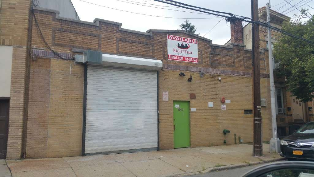 Right Time Realty, LLC - real estate agency  | Photo 4 of 10 | Address: 43-24 54th Rd #201, Maspeth, NY 11378, USA | Phone: (718) 846-7653