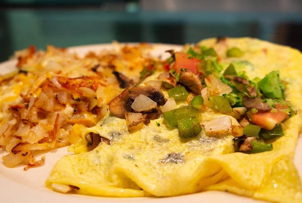 Country Kitchen Restaurant - restaurant  | Photo 4 of 10 | Address: 915 East 53rd St N, Wichita, KS 67219, USA | Phone: (316) 832-9704