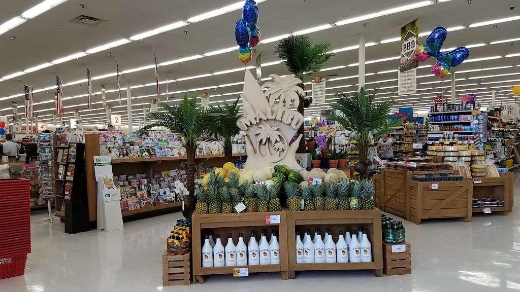 Hy-Vee - supermarket  | Photo 4 of 10 | Address: 310 SW Ward Rd, Lees Summit, MO 64081, USA | Phone: (816) 554-2200