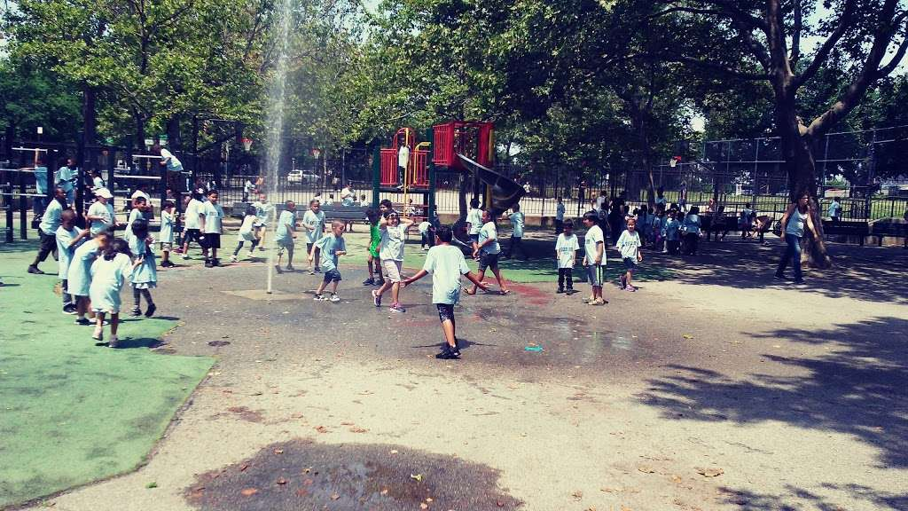 Noble Playground - park  | Photo 8 of 10 | Address: 3101, 1541 Bronx River Ave, Bronx, NY 10460, USA | Phone: (212) 639-9675