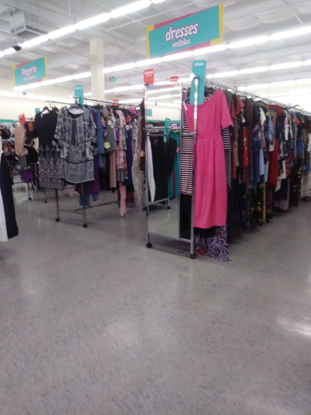 dds DISCOUNTS - clothing store  | Photo 6 of 10 | Address: 2000 N Park Blvd, Pittsburg, CA 94565, USA | Phone: (925) 432-3950