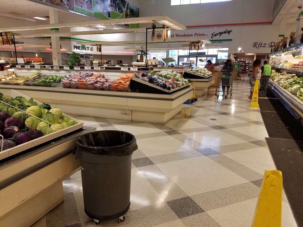Global Food - supermarket  | Photo 2 of 10 | Address: 43761, Parkhurst Plaza, Ashburn, VA 20147, USA | Phone: (703) 729-9005