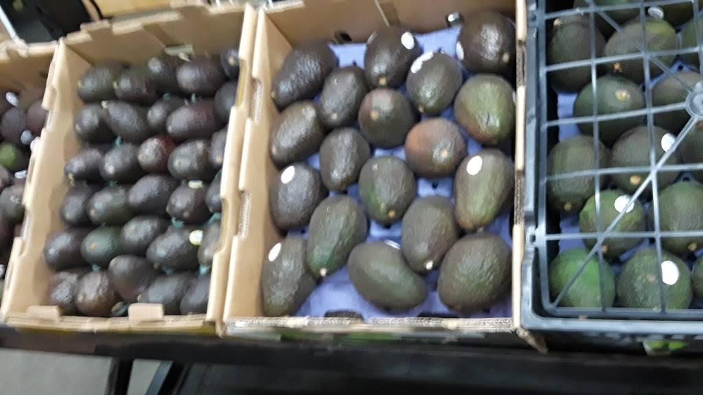 Jalisco Fresh Produce Inc - store  | Photo 2 of 8 | Address: 1601 E Olympic Blvd, Los Angeles, CA 90021, USA | Phone: (213) 629-0993