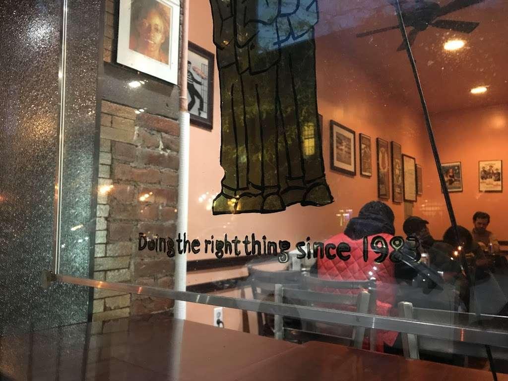 The 3 Luigis - restaurant    Photo 4 of 8   Address: 275 Grand Ave, Brooklyn, NY 11238, USA   Phone: (718) 622-0059