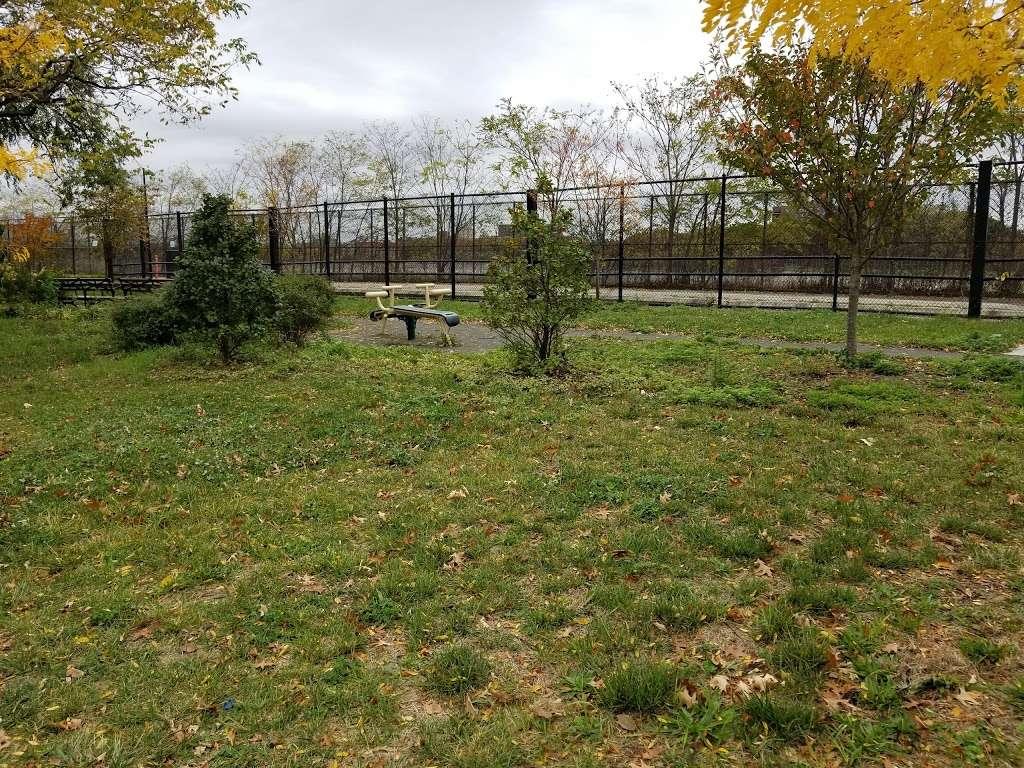 Jerome Park - park  | Photo 2 of 10 | Address: Goulden Ave, Bronx, NY 10463, USA | Phone: (212) 639-9675