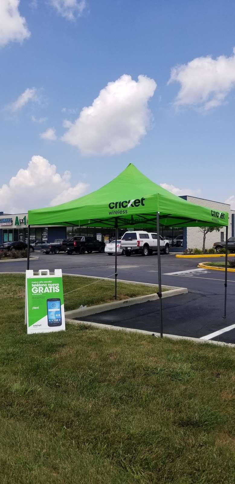 Cricket Wireless Authorized Retailer - store  | Photo 8 of 9 | Address: 8403 Michigan Rd ste d, Indianapolis, IN 46268, USA | Phone: (317) 493-5860
