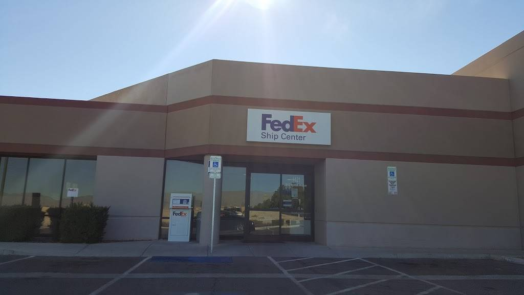 FedEx Ship Center - store  | Photo 1 of 9 | Address: 1121 W Cheyenne Ave, North Las Vegas, NV 89030, USA | Phone: (800) 463-3339