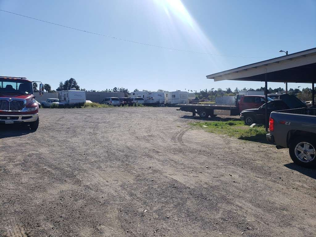 RoadRunner Towing & Storage - storage  | Photo 3 of 16 | Address: 12137 11th St, Yucaipa, CA 92399, USA | Phone: (909) 797-7722