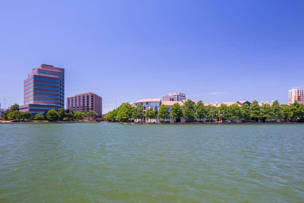 IMT Lakeshore Lofts - real estate agency  | Photo 7 of 10 | Address: 800 Lake Carolyn Pkwy, Irving, TX 75039, USA | Phone: (972) 982-8649