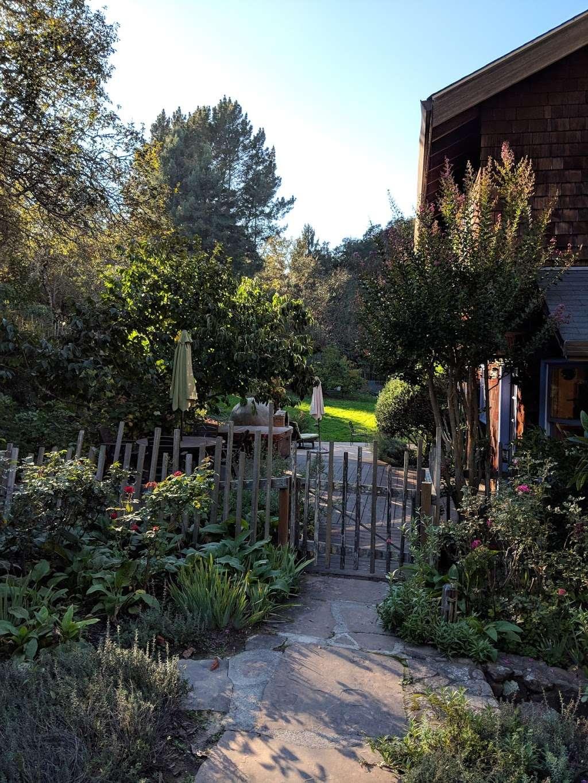 Casa Carolina Bed & Breakfast - lodging    Photo 3 of 7   Address: 7740 Nora Ave, Sebastopol, CA 95472, USA   Phone: (707) 823-3543