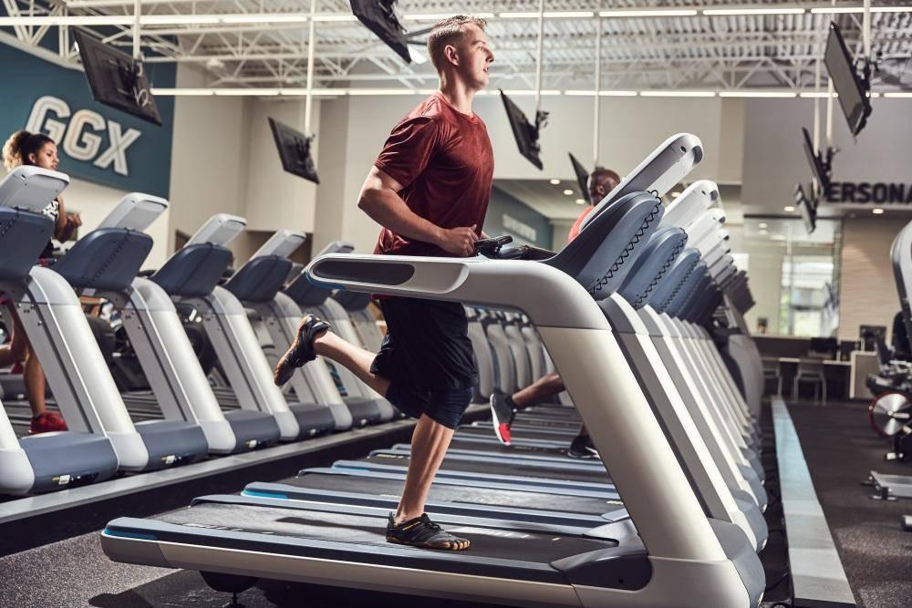 Golds Gym - gym  | Photo 3 of 10 | Address: 1701 W Ben White Blvd Suite 165, Austin, TX 78704, USA | Phone: (512) 326-1199