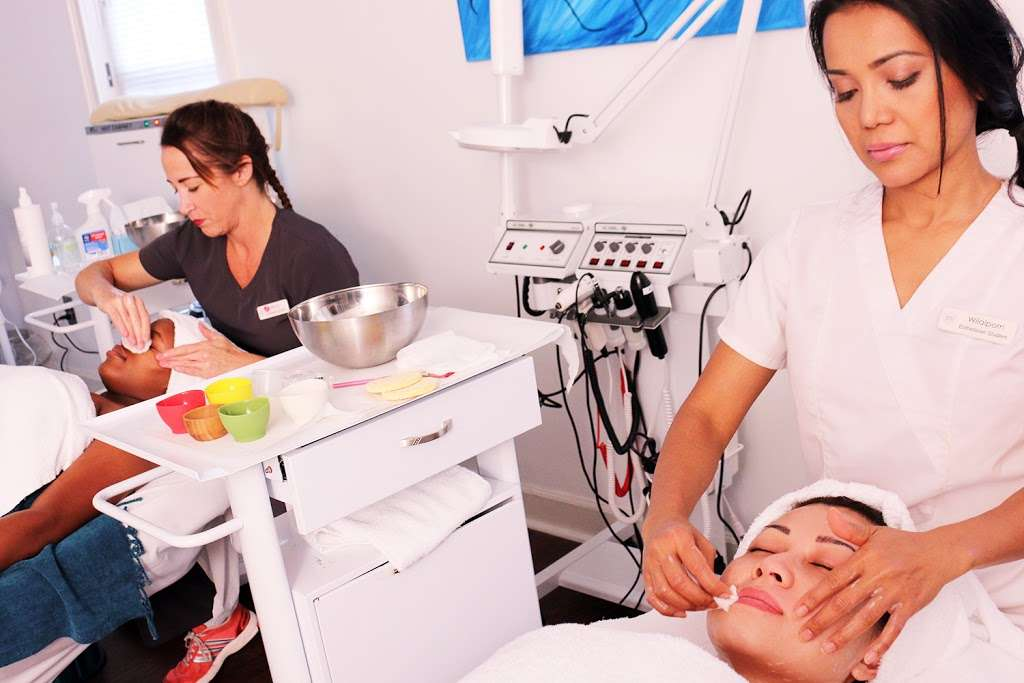 Hair Studio - hair care  | Photo 3 of 5 | Address: 11567 Hwy 6, Sugar Land, TX 77498, USA | Phone: (281) 265-5019