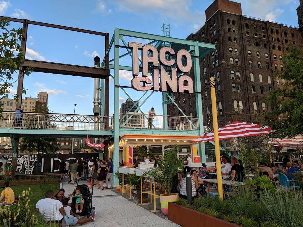 Grand Ferry Park - park  | Photo 3 of 10 | Address: Grand St &, River St, Brooklyn, NY 11211, USA | Phone: (212) 639-9675