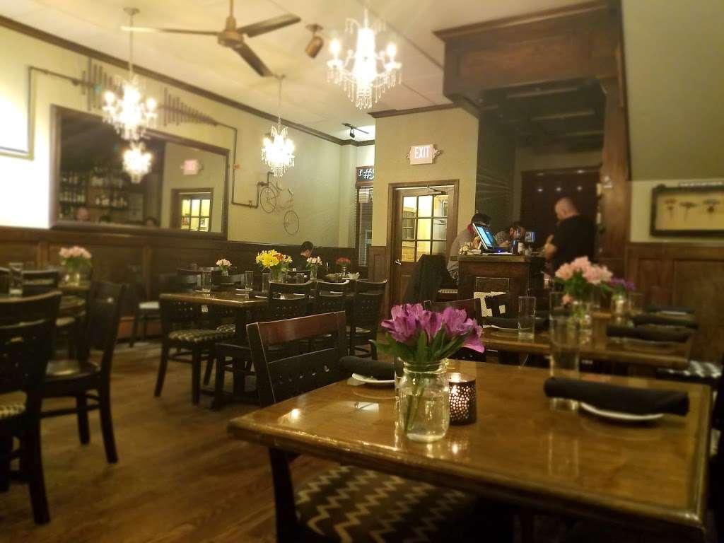 Bin 5 - restaurant  | Photo 2 of 10 | Address: 1233 Bay St, Staten Island, NY 10305, USA | Phone: (718) 448-7275