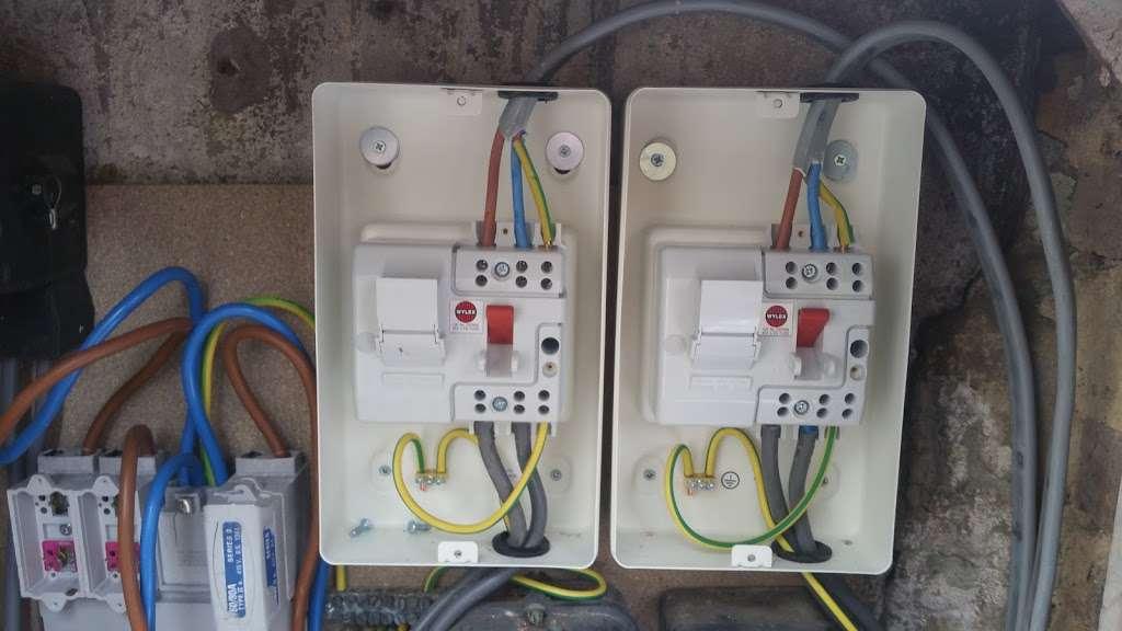 Greenspark electrical - electrician  | Photo 7 of 10 | Address: 166 Beechfield, Hoddesdon EN11 9QN, UK | Phone: 07931 204143