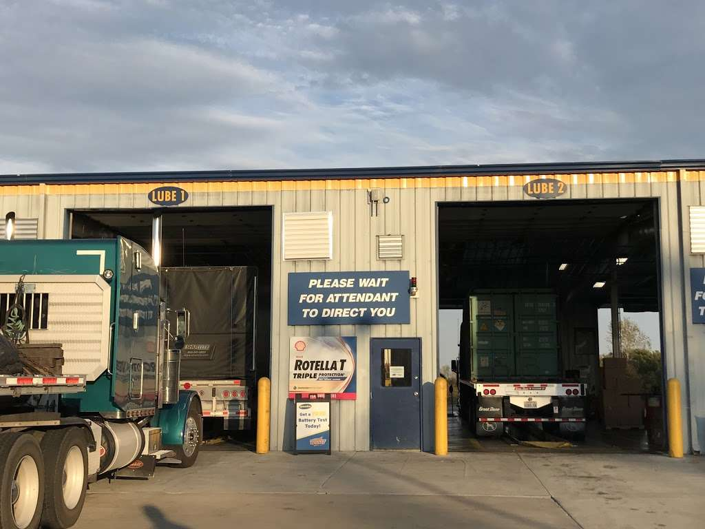 Speedco Truck Lube and Tires - car repair  | Photo 4 of 10 | Address: 301 SE 4th St, Oak Grove, MO 64075, USA | Phone: (816) 690-8717