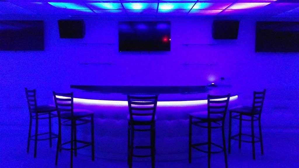 The Mansion Nightclub - night club    Photo 10 of 10   Address: 3801 W Lake St, Stone Park, IL 60165, USA   Phone: (708) 223-8605